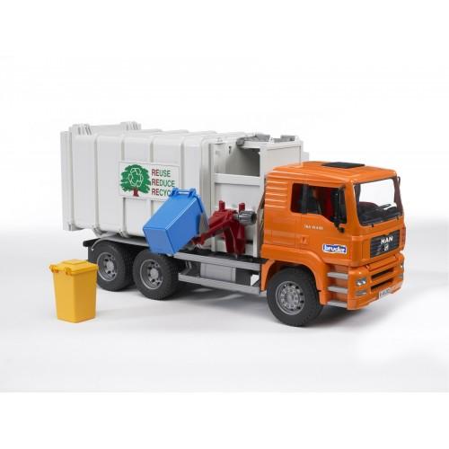 """Мусоровоз MAN (цвет кузова серый. кабина – оранжевый) (подходит модуль со звуком и светом """"H"""") Bruder 02-761"""