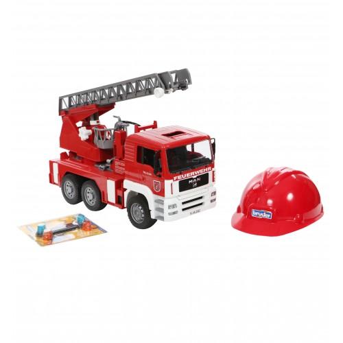 Пожарная машина MAN с лестницей с модулем со световыми и звуковыми эффектами + Каска красная Bruder 01-981