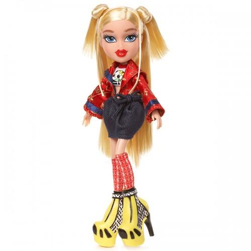 В путешествии, кукла делюкс Хлоя Bratz (Братц)